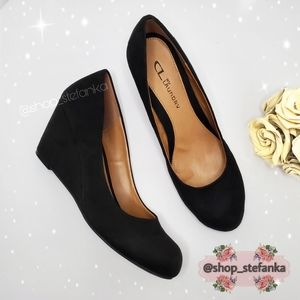 🎁CL by Laundry Suede Wedges Pumps 💫